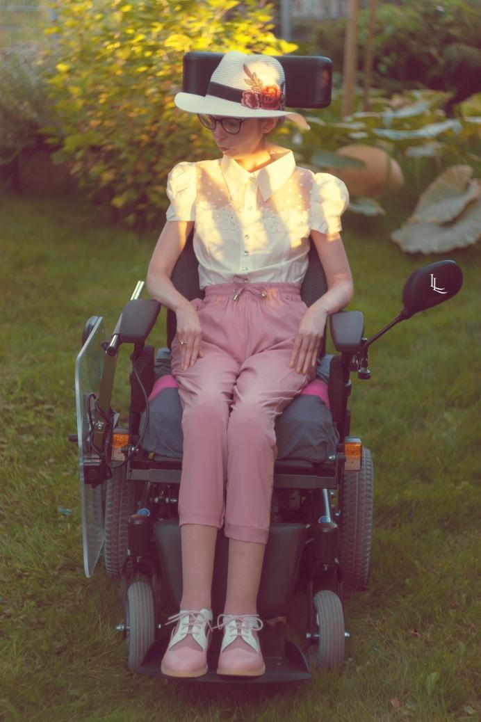 lina-levien-my-mode-tones-of-rose (5)