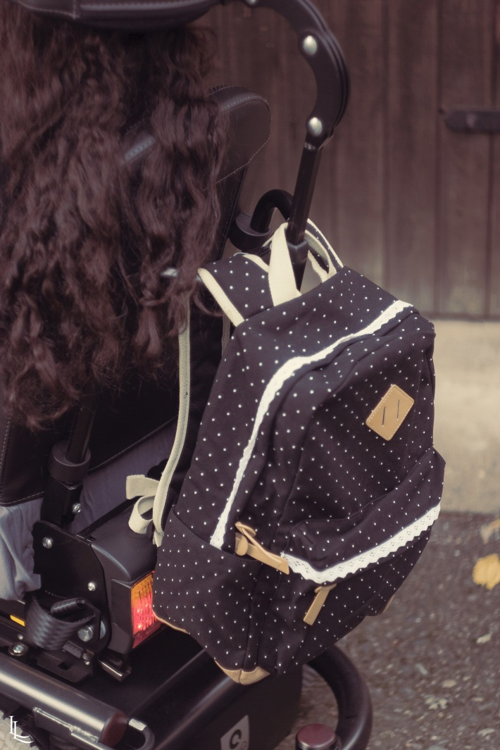lina-levien-wheelchair-rollingchair-polka-dot-backpack